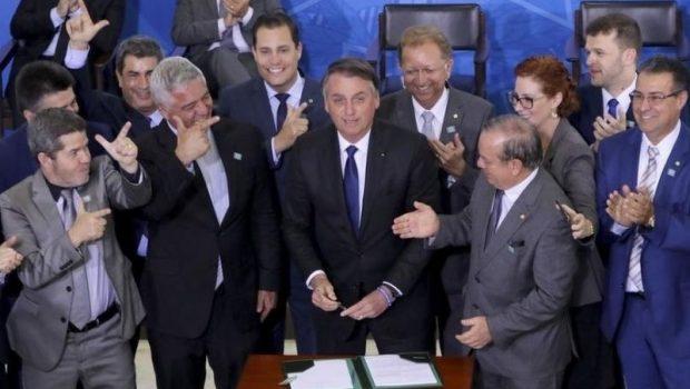 STF estipula prazo para Jair Bolsonaro explicar decreto das armas