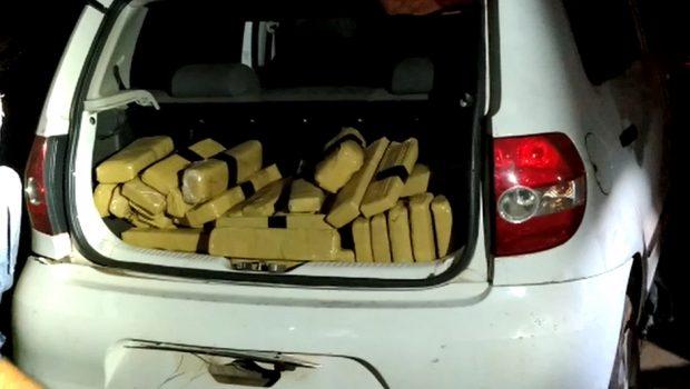 PRF prende jovem transportando 300 kg de maconha, em Guapó