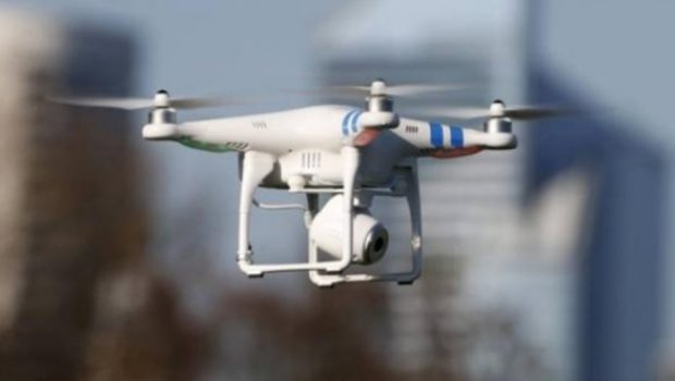 Drone é apreendido levando droga e celulares para presídio do Rio