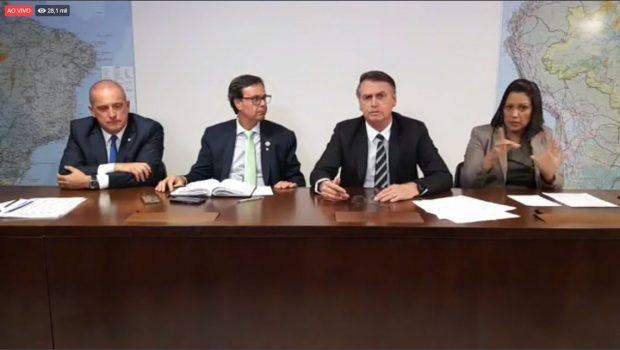 Bolsonaro diz que Câmara votará porte de arma para produtor rural