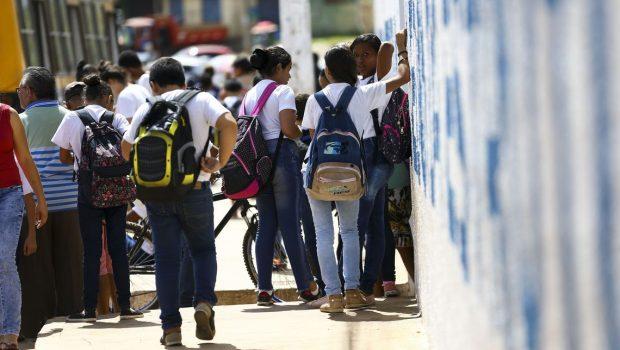 Escolas no DF poderão ter revista de alunos e mais presença policial