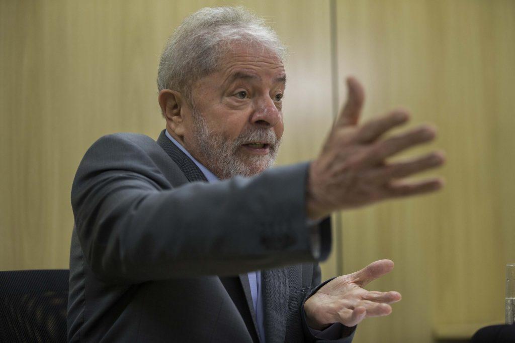 Processos contra Lula estão corrompidos, afirma defesa