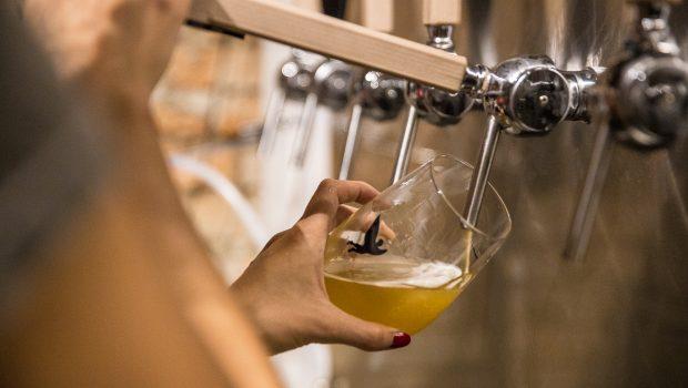 Com 2 novas fábricas a cada 3 dias, Brasil chega à marca de mil cervejarias