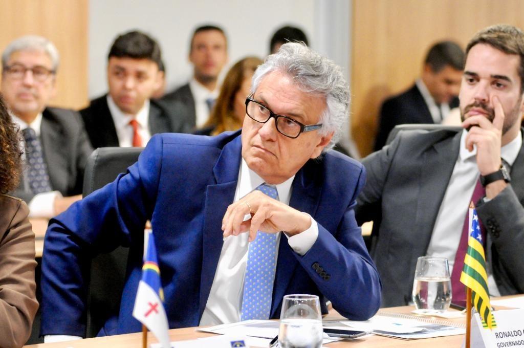 Caiado retoma defesa por inclusão de estados e municípios na Previdência