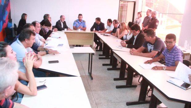 """""""É impossível sair da Praça do Trabalhador até dia 10"""", afirma presidente da Associação de Feirantes"""