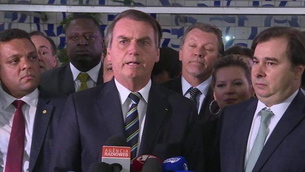Bolsonaro entrega à Câmara dos Deputados projeto que muda regras da CNH