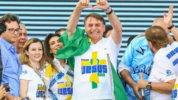 Jair Bolsonaro volta a falar sobre reeleição na Marcha para Jesus