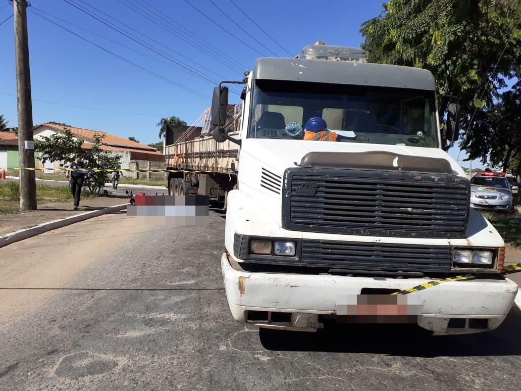 Motociclista morre em acidente com caminhão no Parque Industrial João Braz