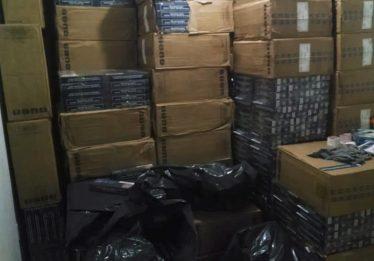 Rotam apreende 200 kg de maconha e 90 mil carteiras de cigarro, em Trindade