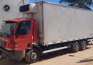 Mulher morre após motocicleta ser atingida por caminhão a 140km/h, em Aragarças