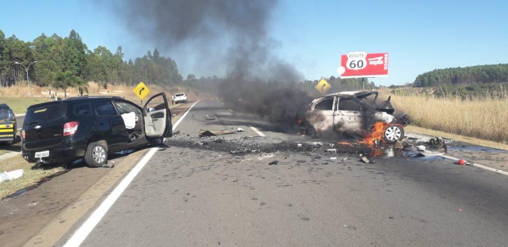 Carro na contramão causa grave acidente na BR-060, em Abadiânia