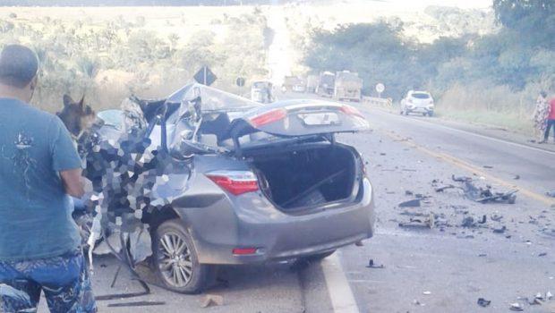 Acidente entre caminhão e carro de passeio deixa duas pessoas mortas na BR-070, em Cocalzinho de Goiás