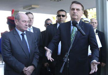 Bolsonaro admite erros na articulação política