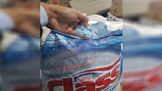 CEI da Semas encontra uma tonelada de sal comprado como sabão em pó em depósito de secretaria