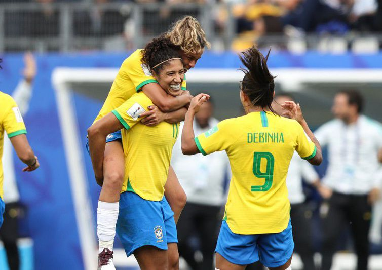 Seleção defende liderança do Grupo C contra a Austrália