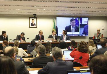 Greenwald reitera autenticidade de material divulgado por site