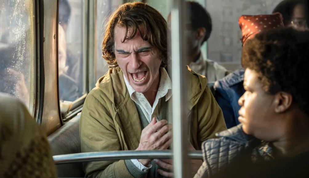 """Crítica: Entre polêmicas e elogios, """"Coringa"""" é muito mais que um filme do vilão"""