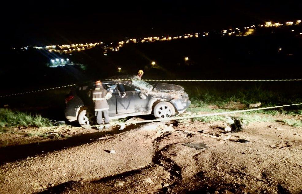 Adolescente fica ferido após ser arremessado para fora de veículo em acidente, em Luziânia