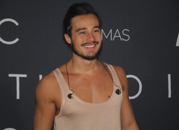 Tiago Iorc não se pronuncia sobre suposto nude vazado