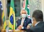 Governador Ronaldo Caiado (DEM) na solenidade em que sacionou a lei que transformou mais de 3 mil pit dogs em patrimônio cultural (Foto: Governo de Goiás)