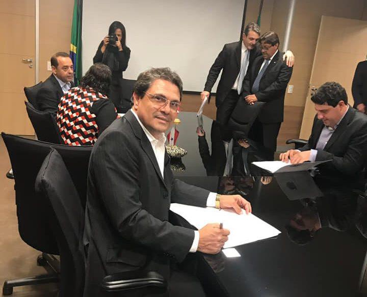 O prefeito de Itaguaru, Eurípedes Potenciano da Silva (PSDB), teve a casa invadida e foi vítima de tentativa de sequestro. (Foto: reprodução/redes sociais)