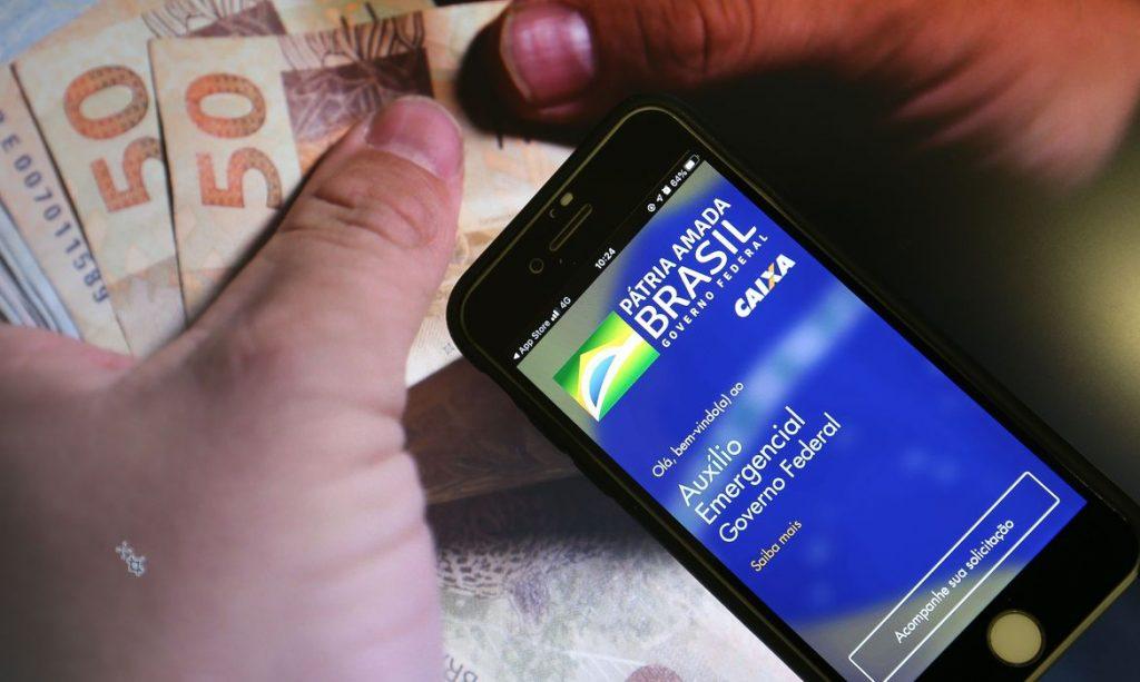 Governo espera atingir mais de 40 milhões de pessoas com retorno do auxílio