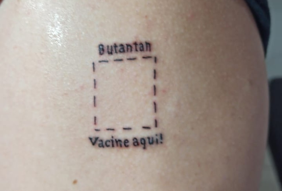 Tatuagem em homenagem ao Instituto Butantan