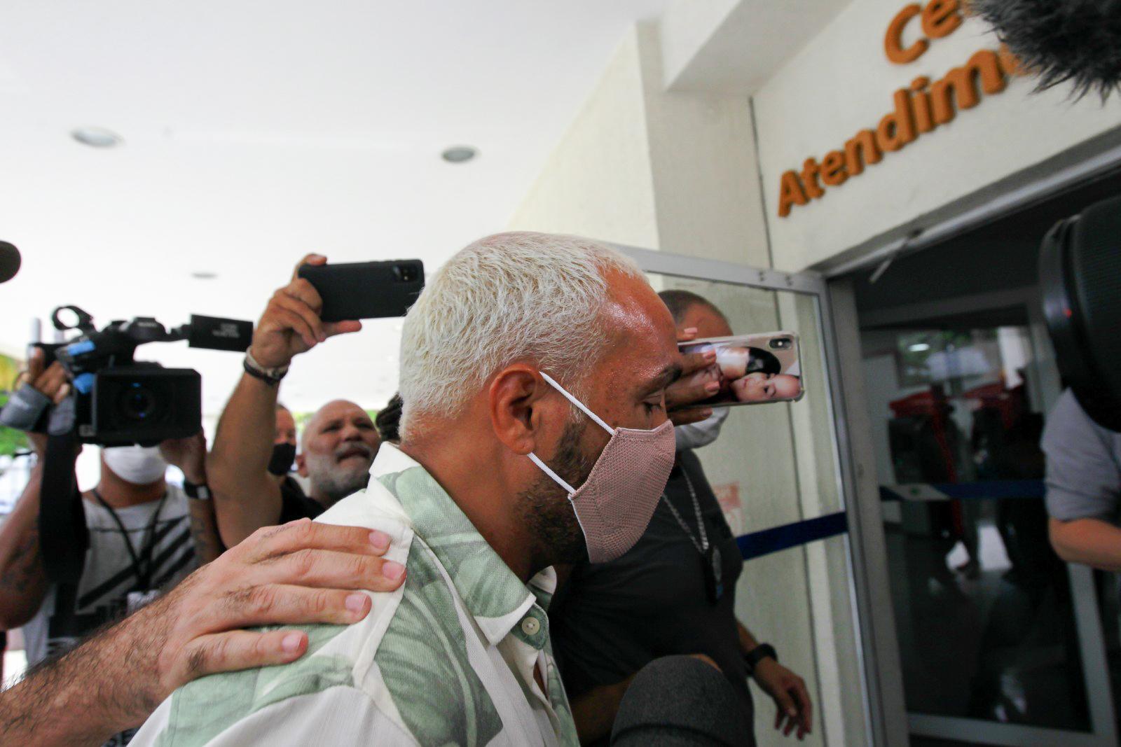 Gracyanne Barbosa Veja fotos da prisão do Belo no Rio de Janeiro