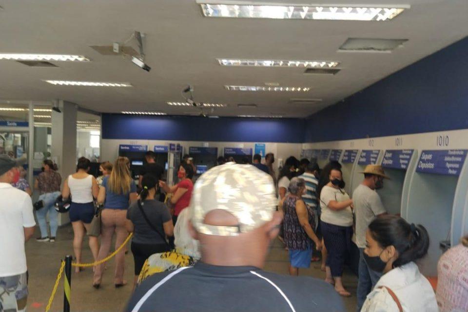 Agência da Caixa em Caldas Novas é interditada por descumprimento do decreto (Foto: divulgação/Prefeitura de Caldas Novas)